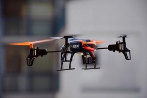 drone-674238_1920